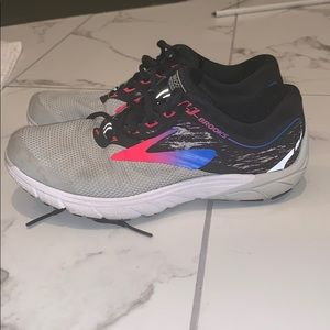 Brooks Pure Cadence 7- SZ 7